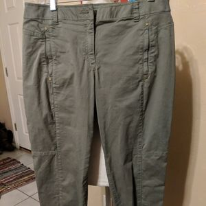 Chico's womens 6 green cargo pants tapered leg
